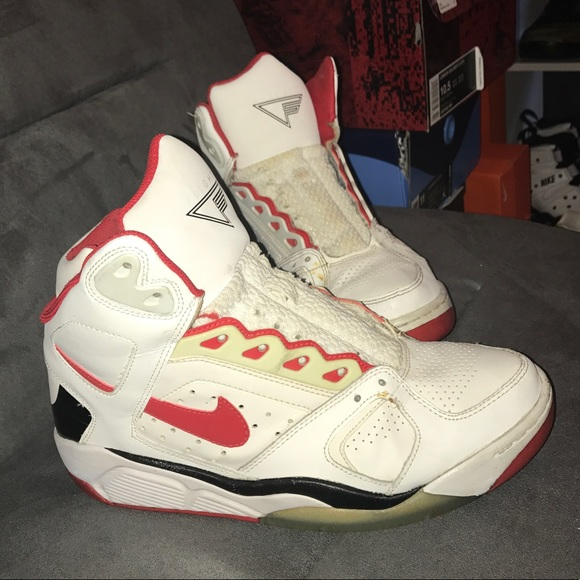 Nike Air Flight Lite Basketball Shoes